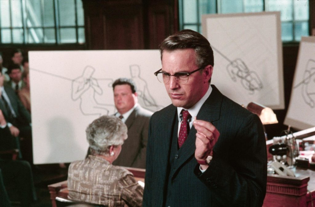 still-of-kevin-costner-and-wayne-knight-in-jfk-(1991)-large-picture